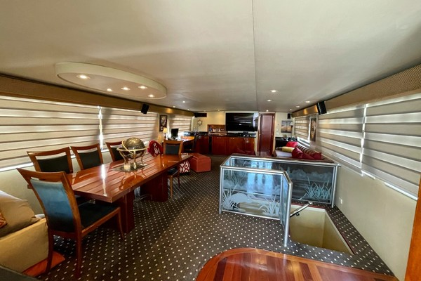 Picture Of: 82' Hatteras 82 Cockpit Motor Yacht 1985 Yacht For Sale | 4 of 50