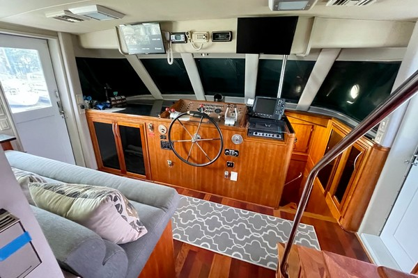 Picture Of: 82' Hatteras 82 Cockpit Motor Yacht 1985 Yacht For Sale | 3 of 50