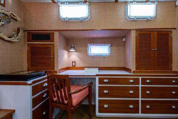 1988 Burger 72' Hunt Design Express Cruiser Assignation | Picture 1 of 27