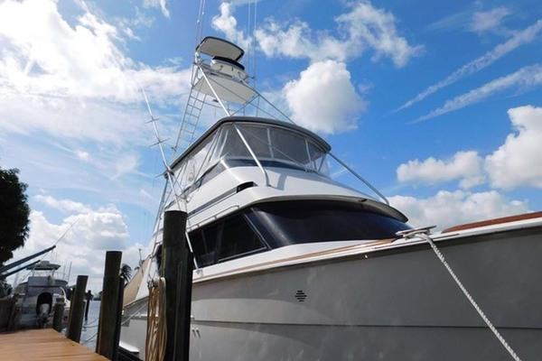 Picture Of: 58' Hatteras Sportfish 1990 Yacht For Sale | 4 of 73