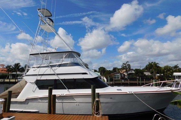Picture Of: 58' Hatteras Sportfish 1990 Yacht For Sale | 3 of 73