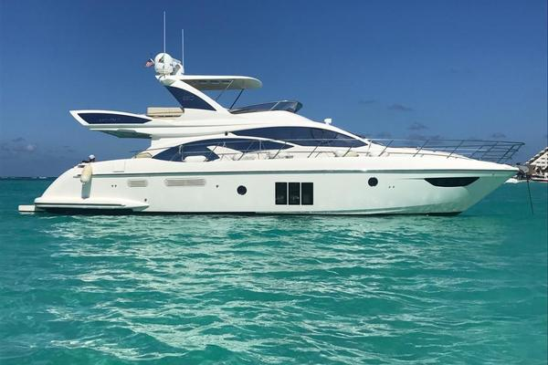 Picture Of: 60' Azimut 60 Flybridge 2012 Yacht For Sale | 4 of 41