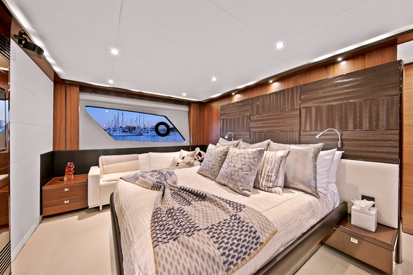 2014 Princess 72' V72 BREATHLESS | Picture 6 of 34