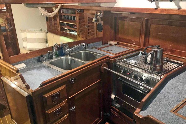 Picture Of: 43' Shannon 43 1999 Yacht For Sale   4 of 54
