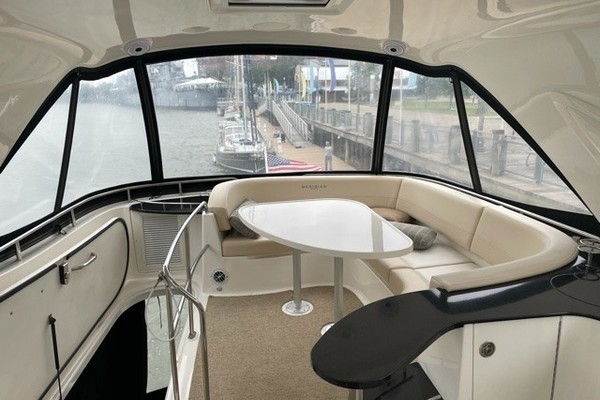 Picture Of: 54' Meridian 541 Sedan 2012 Yacht For Sale | 3 of 13