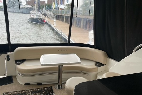 Picture Of: 54' Meridian 541 Sedan 2012 Yacht For Sale | 4 of 13