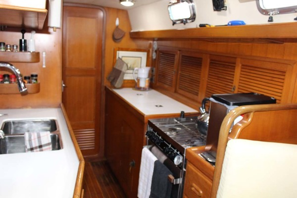 Picture Of: 48' Tayana 48 1995 Yacht For Sale | 4 of 58