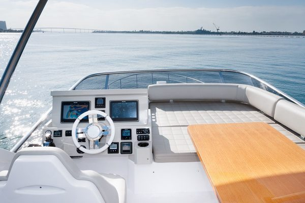 2017 Azimut 50' 50 CEO SWAT   Picture 1 of 43