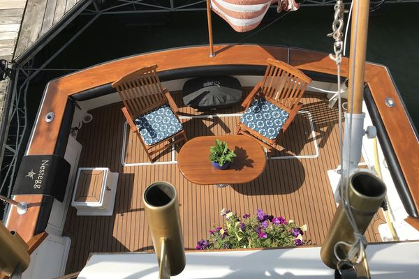 1989 Egg Harbor 54' 54 Convirtible Flybridge Nestegg | Picture 1 of 69