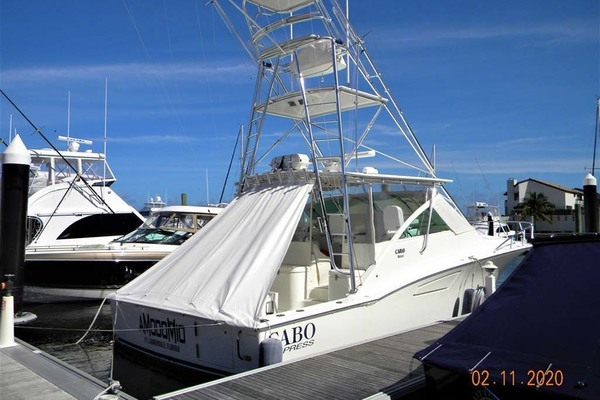 Picture Of: 42' Cabo 40 Express SF 2009 Yacht For Sale | 2 of 39