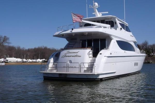 Picture Of: 80' Hatteras Sky Lounge Motor Yacht 2005 Yacht For Sale | 4 of 69