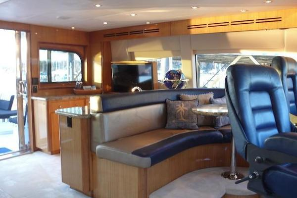 2005 Hatteras 80' Sky Lounge Motor Yacht SECOND GENERATION | Picture 7 of 69