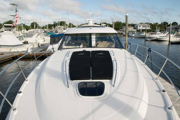 Picture Of: 47' Sea Ray Sundancer 2015 Yacht For Sale | 4 of 27
