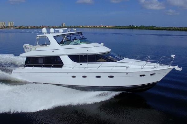 Picture Of: 58' Carver 57 Voyager Pilothouse 2004 Yacht For Sale | 3 of 86