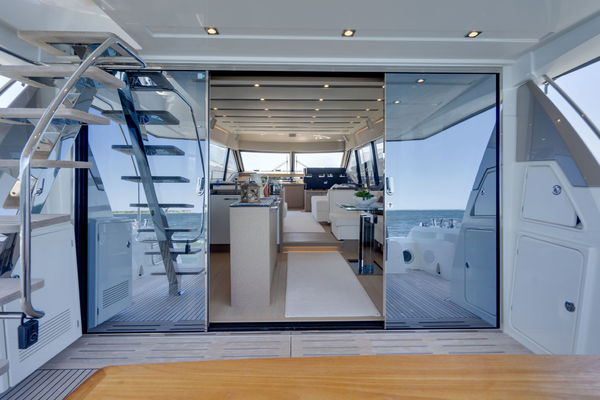 Picture Of: 68' Prestige 680 Flybridge 2018 Yacht For Sale   4 of 86