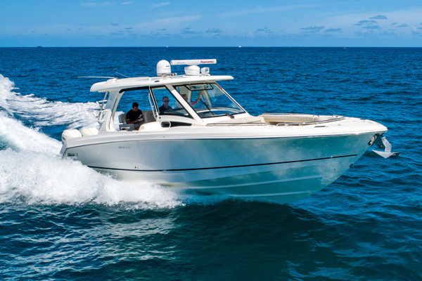 Picture Of: 35' Boston Whaler 350 Realm 2018 Yacht For Sale | 4 of 35