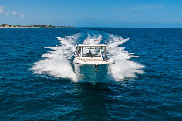 Picture Of: 35' Boston Whaler 350 Realm 2018 Yacht For Sale | 3 of 35