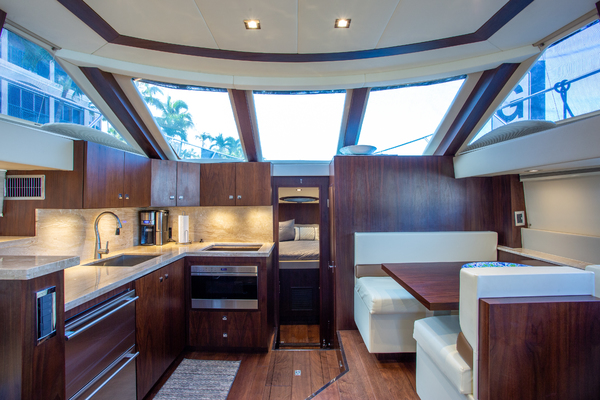 Picture Of: 46' Carver 444 CPMY 2003 Yacht For Sale   3 of 52