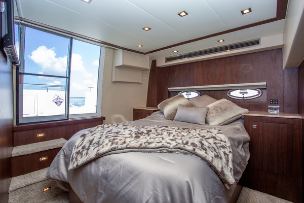 Picture Of: 46' Carver 444 CPMY 2003 Yacht For Sale   4 of 52