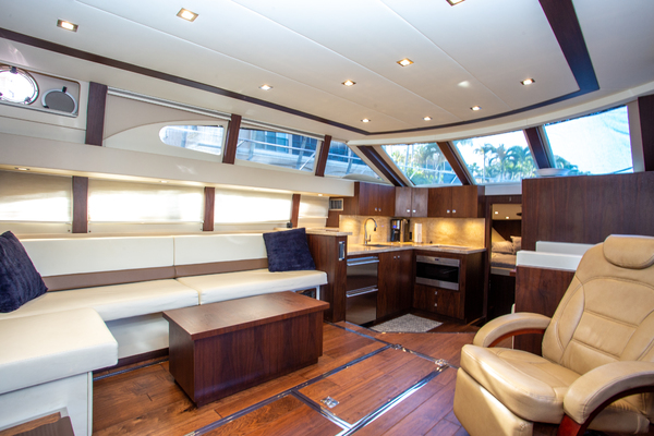 Picture Of: 46' Carver 444 CPMY 2003 Yacht For Sale   2 of 52