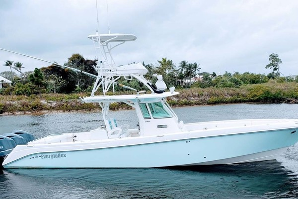 35' Everglades 350 Cc 2011 | Sea Predator