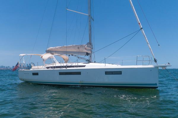 Picture Of: 44' Jeanneau 440 2019 Yacht For Sale | 3 of 50
