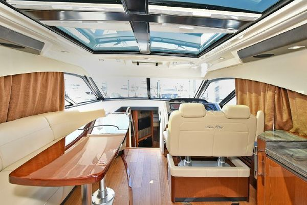 Picture Of: 51' Sea Ray 510 DA 2015 Yacht For Sale   4 of 43