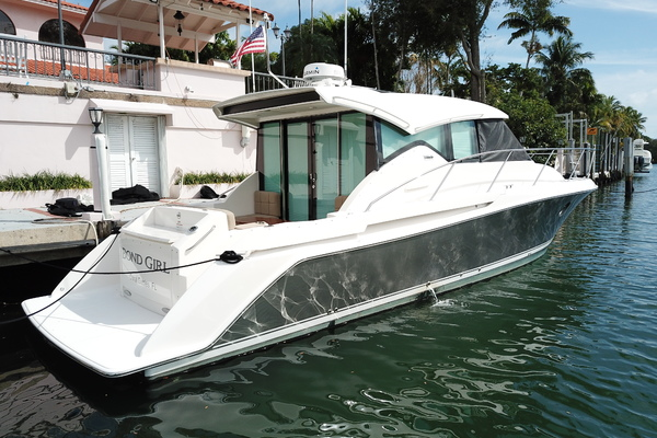 Picture Of: 40' Tiara 39 Coupe 2016 Yacht For Sale | 4 of 22