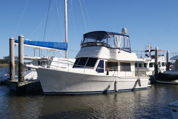 34' Mainship 34  2005 | Wind In The Face Iv