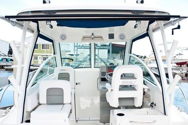 28-ft-Boston Whaler-2014- Conquest- Sarasota Florida United States  yacht for sale