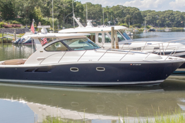 39-ft-Tiara-2015-Express-Family Love Mattituck Florida United States  yacht for sale
