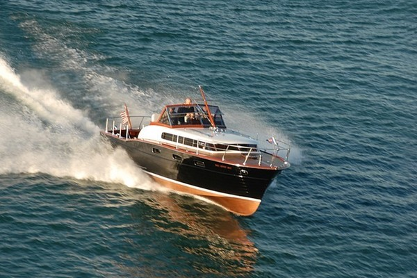 Picture Of: 33' Chris-Craft 33 Futura 1957 Yacht For Sale | 3 of 32