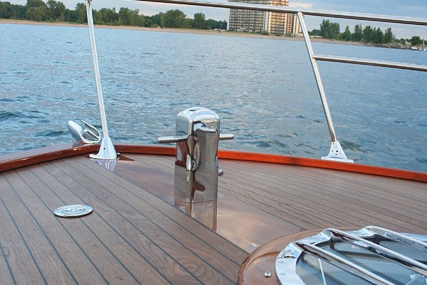 1957 Chris-Craft 33' 33 Futura Black Beauty | Picture 1 of 32