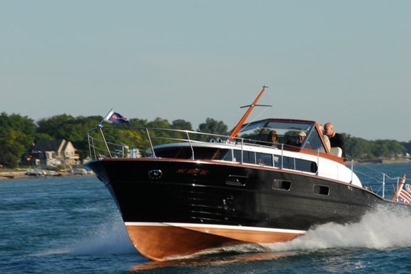 Picture Of: 33' Chris-Craft 33 Futura 1957 Yacht For Sale | 4 of 32