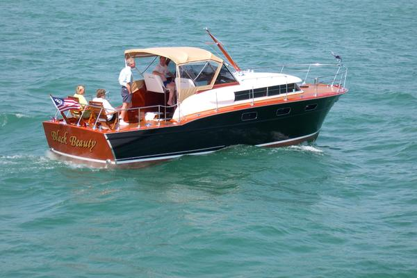 Picture Of: 33' Chris-Craft 33 Futura 1957 Yacht For Sale | 2 of 32