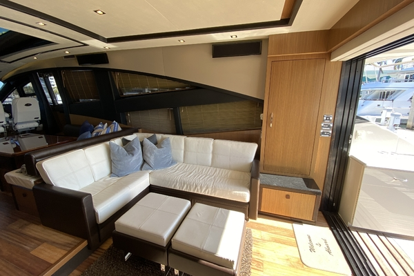 2016 Sea Ray 65' L650 Express Cozy | Picture 3 of 90