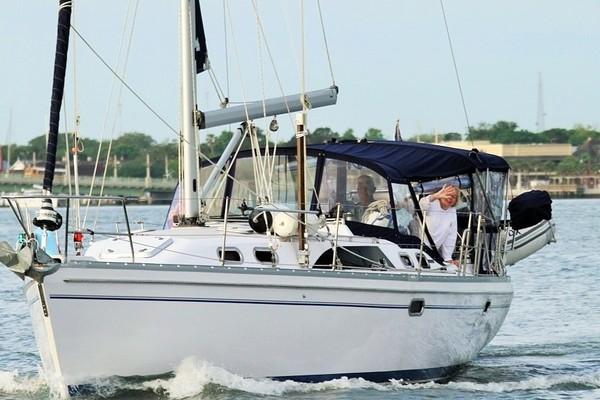 39-ft-Catalina-2013-385-Cynthia Gale Washington North Carolina United States  yacht for sale