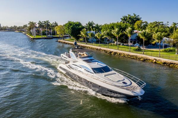 Picture Of: 72' Azimut Azimut 72S 2013 Yacht For Sale | 4 of 50
