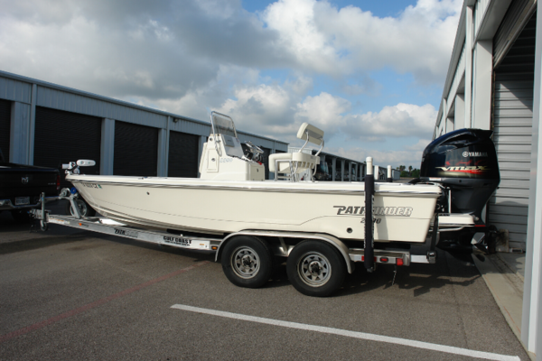 22-ft-Pathfinder-2015-22 Center Console-No Name Kemah Texas United States  yacht for sale