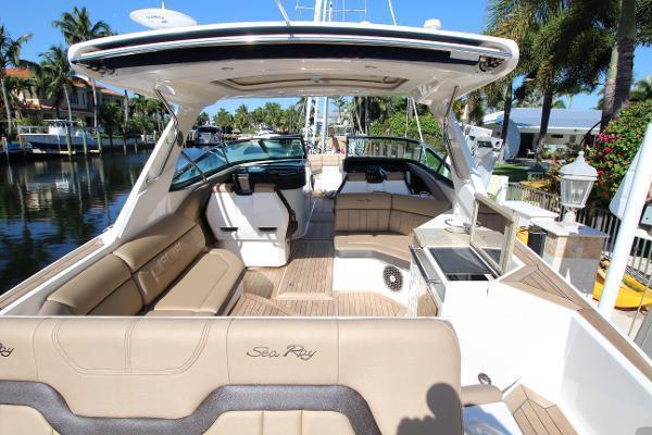2016 Sea Ray 35' 350 SLX 350 SLX | Picture 5 of 29
