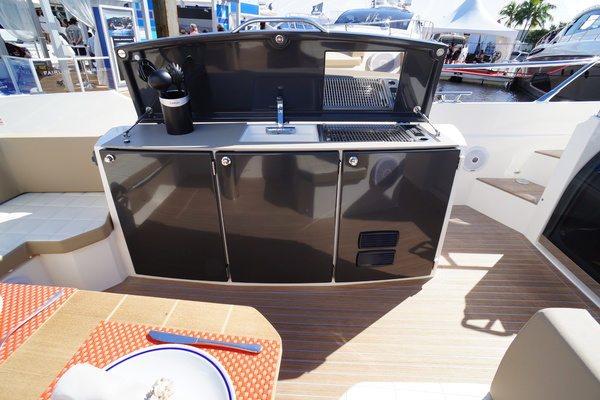 Picture Of: 39' Absolute 40 STL 2015 Yacht For Sale | 4 of 82