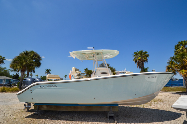 26-ft-Cobia-2018-261 cc-Baby Tooth Bradenton Florida United States  yacht for sale
