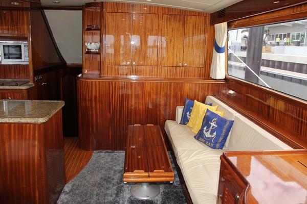 Salon Starboard Aft