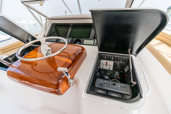 2014 Viking 70' 70 Convertible Load N Go | Picture 3 of 68