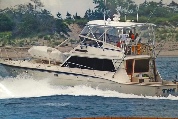 1985 Hatteras 52' Convertible THE HAT | Picture 2 of 46
