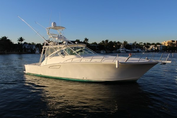 45' Cabo 45 Express 2000 |