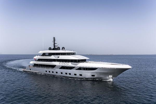175' Majesty Yachts TriDeck 2020