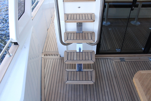 2020 Greenline 48' 48 Hybrid  | Picture 1 of 44
