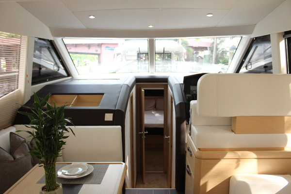 2020 Greenline 48' 48 Hybrid  | Picture 4 of 44