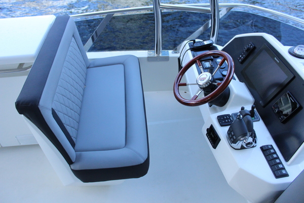 2020 Greenline 48' 48 Hybrid  | Picture 5 of 44